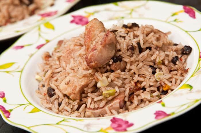 arroz congri cubano servido