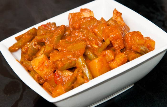 curry vegetariano de vainitas con papas
