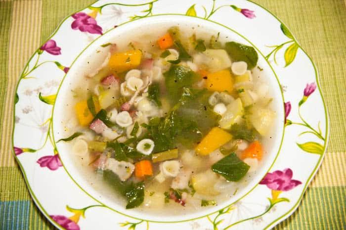 C mo hacer sopa de verduras receta f cil y saludable for Comidas caseras faciles