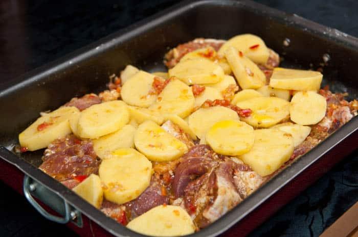 lomo de cerdo horneado con papas