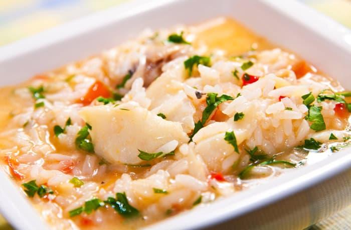 Receta de arroz con bacalao delicioso arroz caldoso - Arroz con bacalao desmigado ...