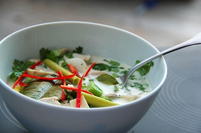 receta de sopa tailandesa tom kha gai