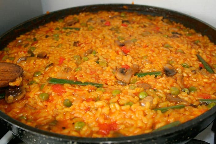 como hacer paella valenciana