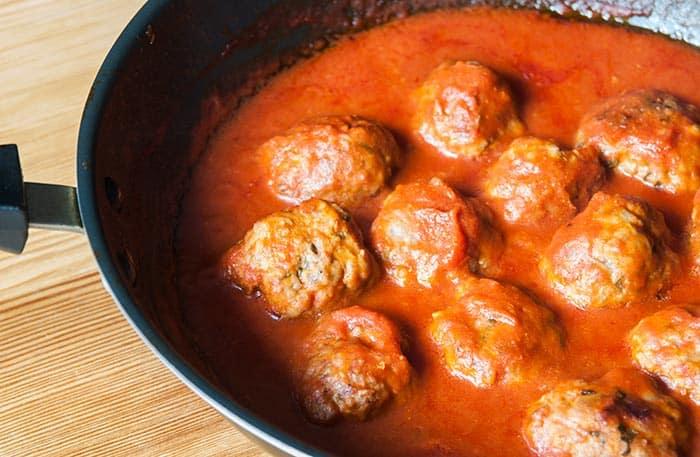 como hacer albondigas en salsa