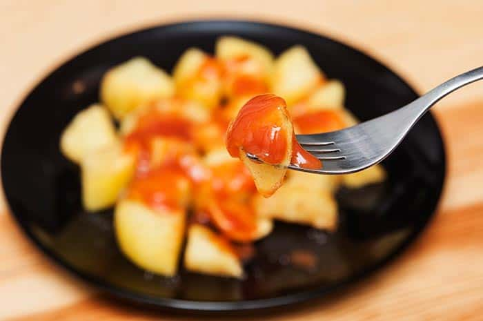 como hacer patatas bravas españolas