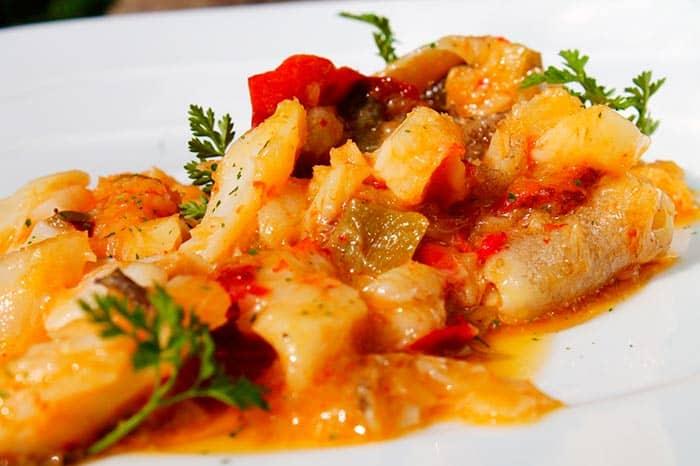 Bacalao ajoarriero receta tradicional comedera com for Como cocinar bacalao al horno
