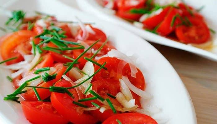 6 recetas de ensalada de tomate para refrescarte