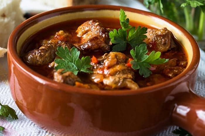 cazuela de costillas en salsa