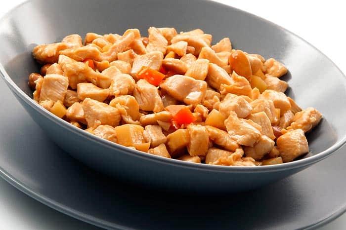plato de pollo con almendras chino