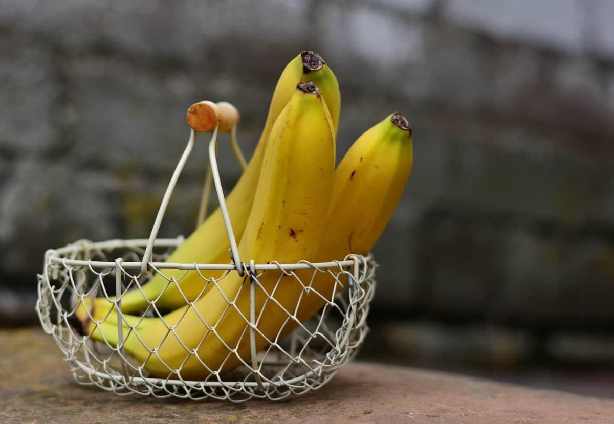 plátanos en canasta