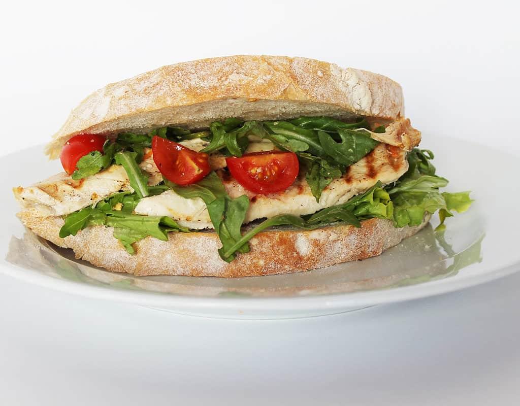 sandwich de pollo a la plancha