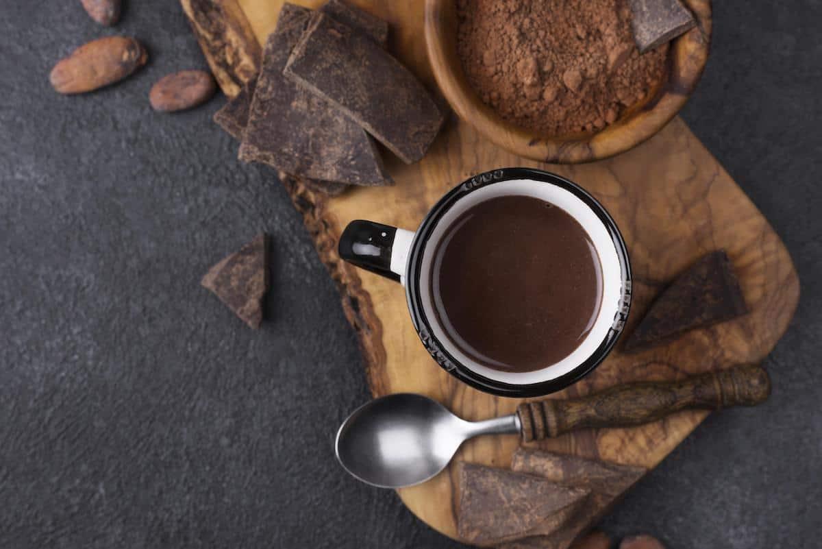 salsa de chocolate en taza