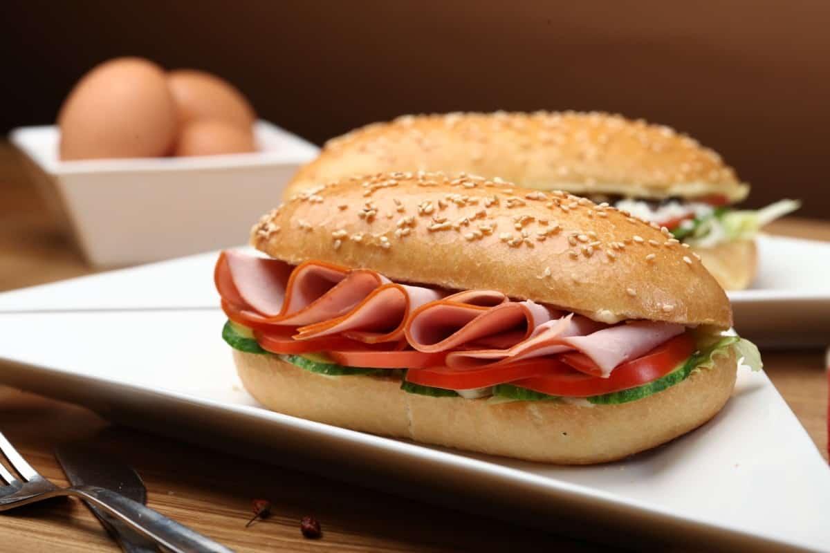 sandwich de jamón y queso casero