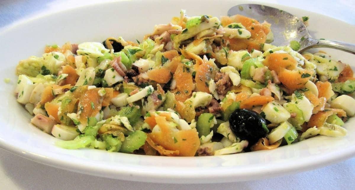 plato con salpicón de marisco