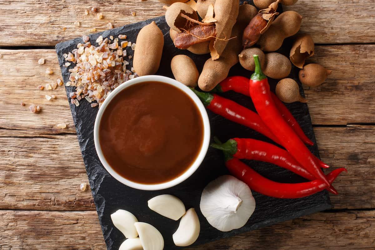 salsa de tamarindo en bowl