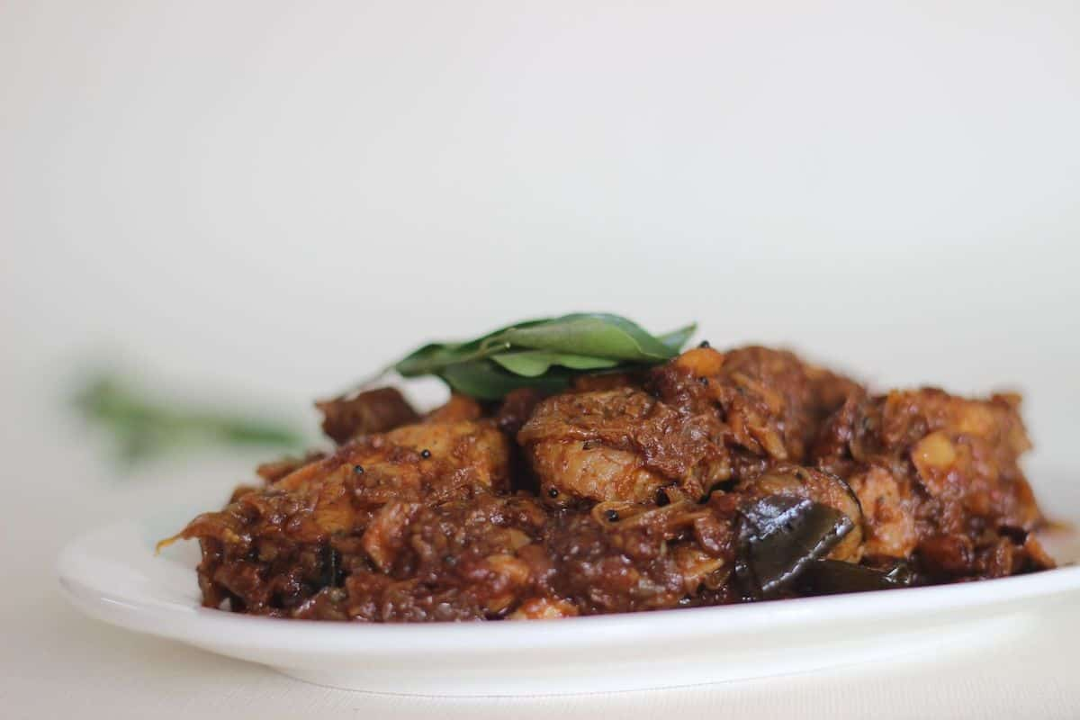 plato con seco de pollo
