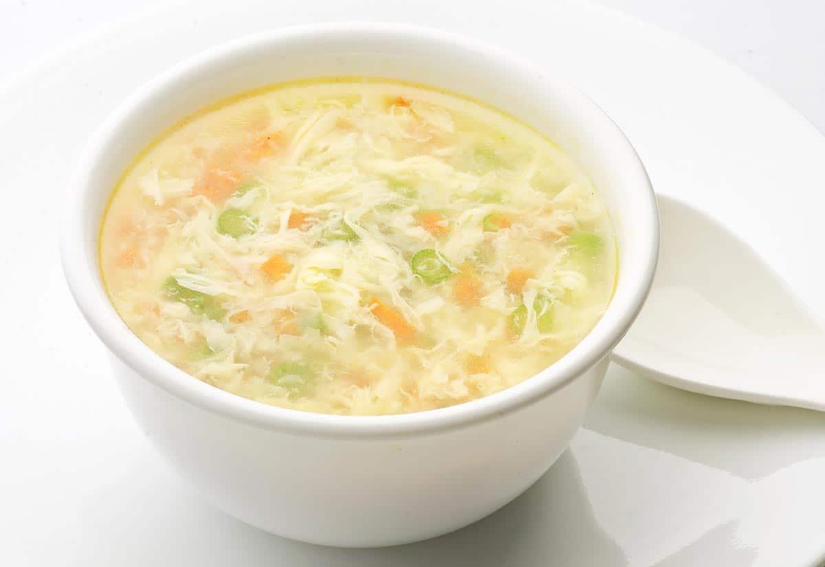Sopa de huevo deliciosa