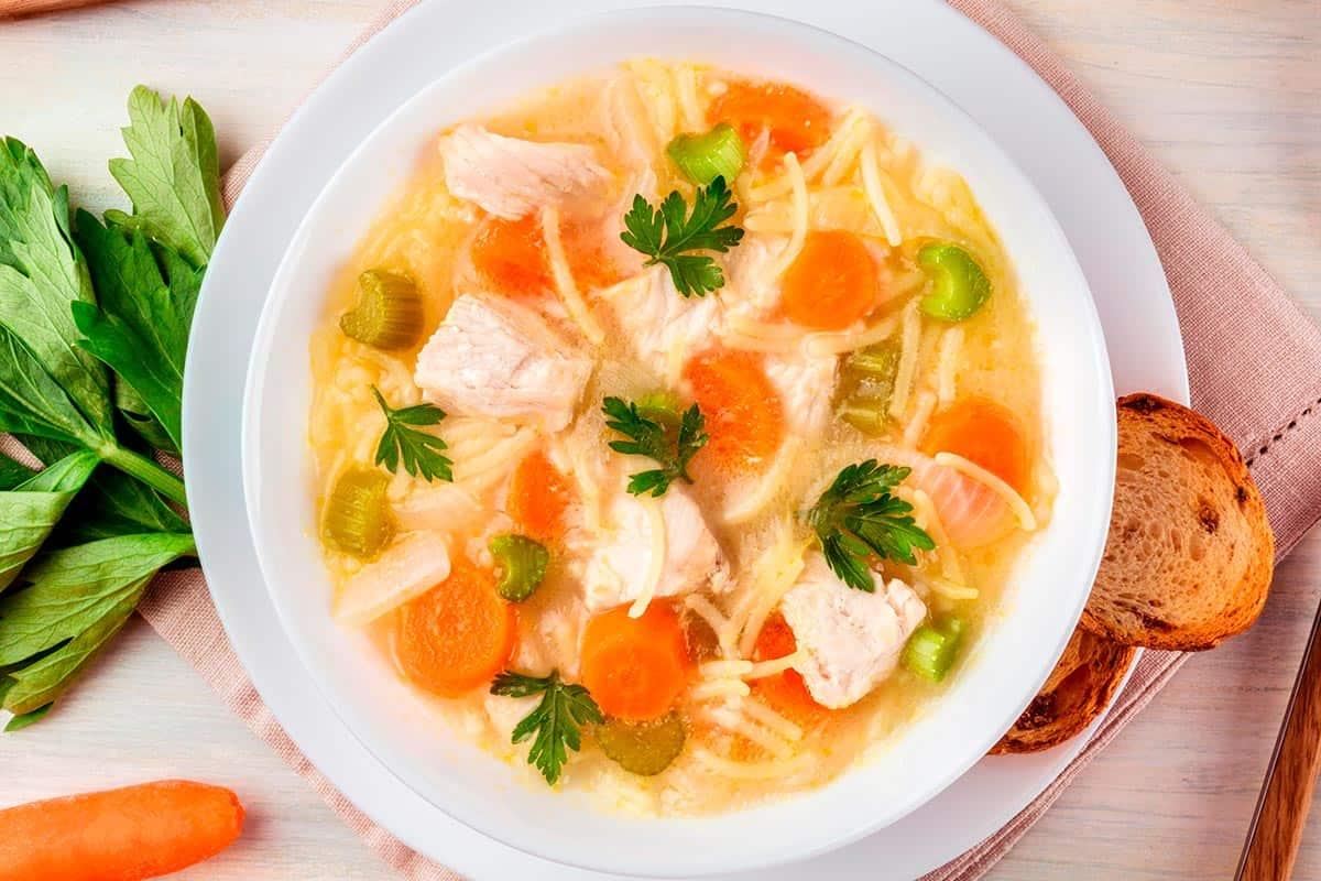plato de sopa de picadillo