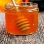 tarro con miel de abejas